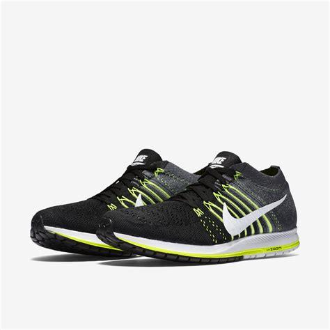 Sepatu Nike Zoom Flyknit Streak nike flyknit streak alton sports running specialists