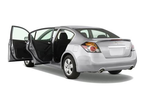 image 2009 nissan altima 4 door sedan i4 cvt s open doors