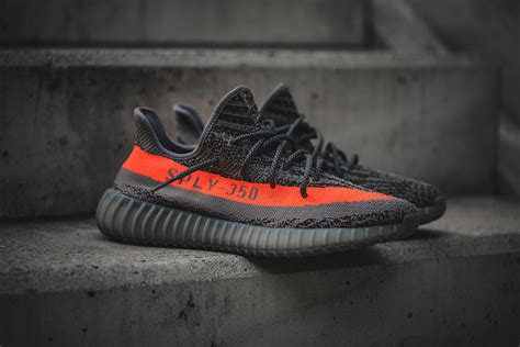 Sepatu Adidas Yeezy Boost 350 Original detailed images of the adidas yeezy boost 350 v2 beluga