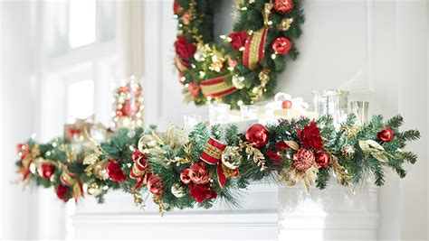 guide  buying holiday garlands  wreaths   home depot