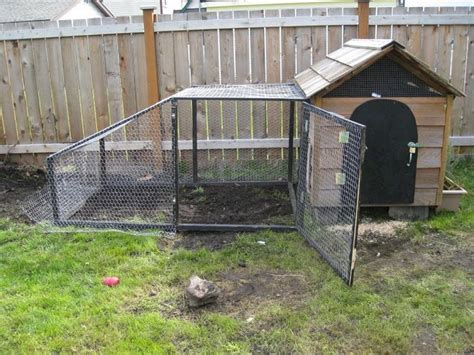 diy backyard chicken coop the best creative and easy diy chicken coops you need in your backyard no 59 decoredo