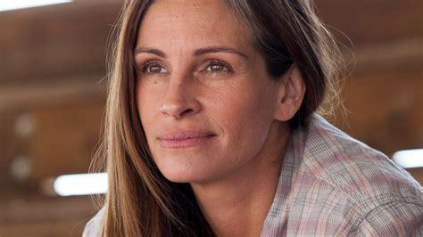 film terbaik julia robert julia roberts reveals who gets to see her with no makeup