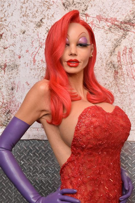 Heidi Klum Stuns In Elaborate Jessica Rabbit Halloween | heidi klum stuns in elaborate jessica rabbit halloween