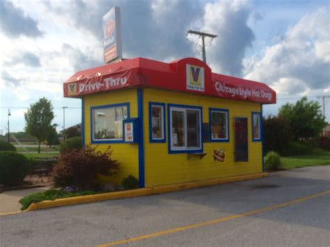 dog house hot dogs the dog house hot dogs 2802 calumet ave reviews valparaiso in united states