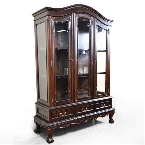 lemari pajangan kaca 3 pintu   sugiman furniture