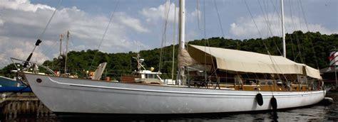 boat crash films top 7 movie boats theyachtmarket