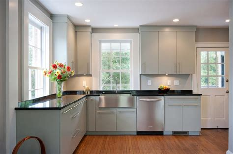Pretty Simple Crown Molding with Island Lighting Shaker
