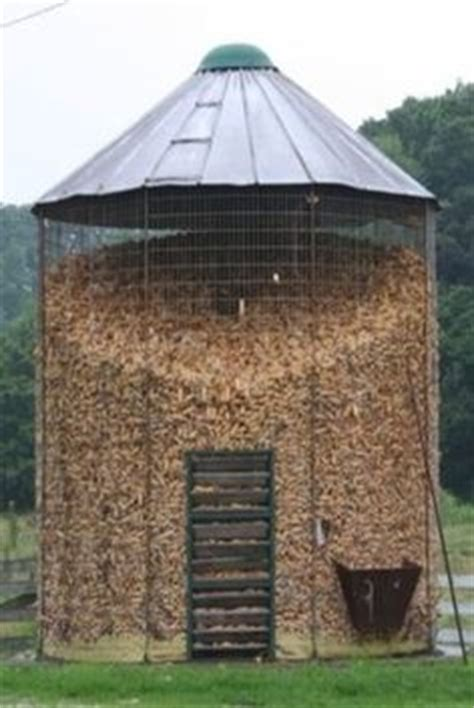 Big Corn Crib how to build a corn crib woodworking projects plans