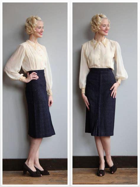 Vintage Skirt By Vintage Skirt 1940s skirt speckled navy wool pencil skirt vintage