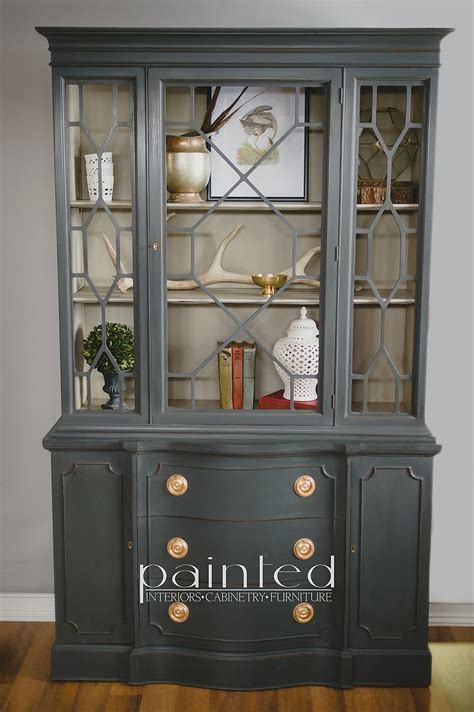 China cabinet painted with Annie Sloan Chalk Paint in Graphite and French Linen   Annie sloan