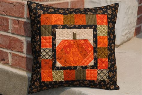 Pumpkin Patch Quilts by And Quilters And Easy Fall Table Topper