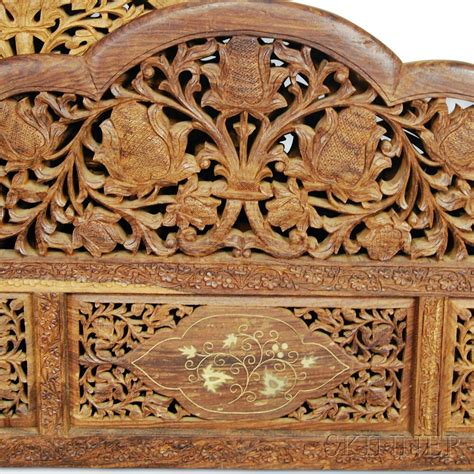 Carved Bed Frames Canopied Carved Wood Bed Frame Sale Number 2906t Lot Number 1554 Skinner Auctioneers