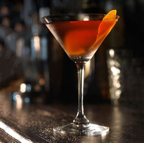 how to make a manhattan drink manhattan cocktail recipe dishmaps