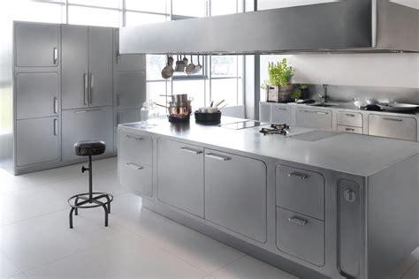 design cucine l acciaio inox un materiale perfetto per le cucine di