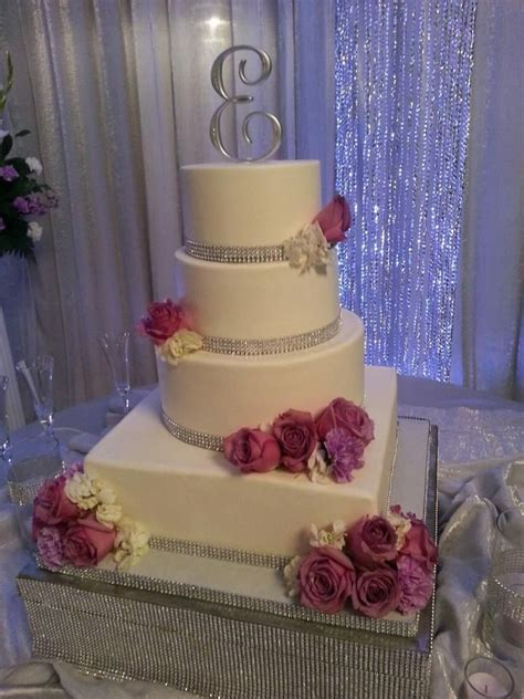 25 rhinestone wedding cakes ideas on rhinestone wedding diy wedding cake