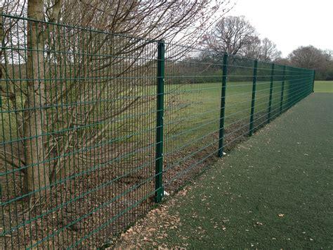 Green Trellis Fencing Mesh Panel Fencing Contractors Basildon Essex Mesh Panel