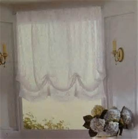 amazon com simply shabby chic one balloon shade white lace 60 quot x 63 quot window treatment
