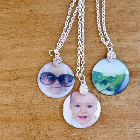 how to make jewelry pendants and easy diy photo pendant necklaces