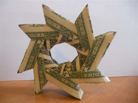 Money Origami Wreath - 25 awesome money origami tutorials diy projects for