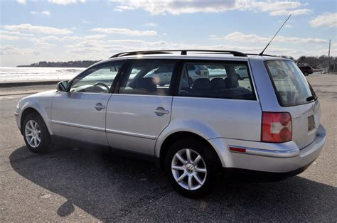 volkswagen passat wagon 2004 volkswagen passat wagon w8 related infomation