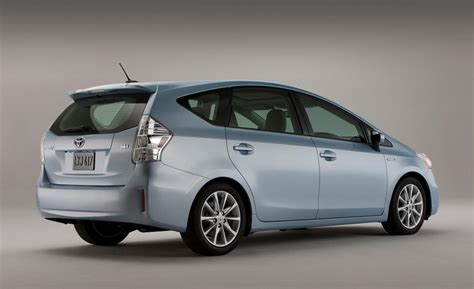 Toyota Prius V 2012 Car And Driver