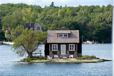 Island Houses by Tiny House Living