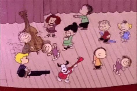 charlie brown christmas gifs brown gifs get the best gif on giphy