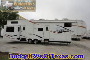 Mind blowing 2 bedroom 5th wheel bunk house 2009 big country 3550
