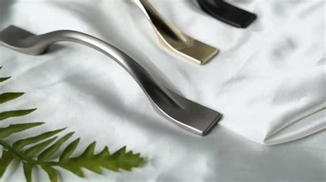 simple style shake handshandle black cabinet handle