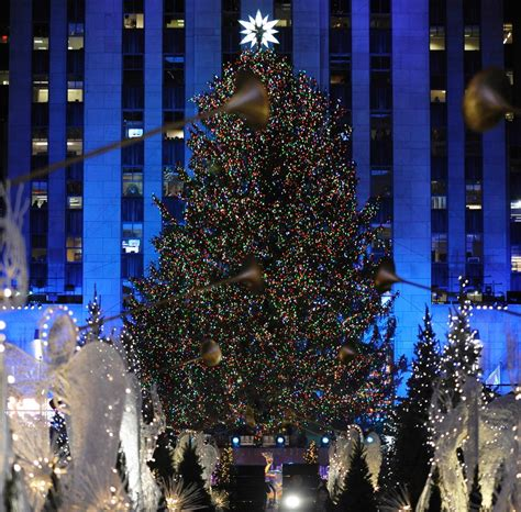 when is the christmas tree lighting in nyc 2017 rockefeller center new york photos rockefeller center