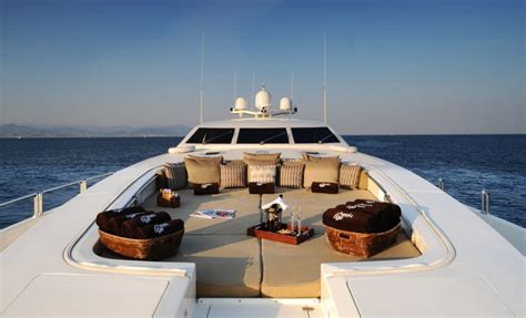 "Stylish Luxury Yacht ""Cheeky Tiger""   iDesignArch"
