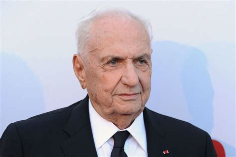 frank gehry toronto born architect frank gehry to teach online