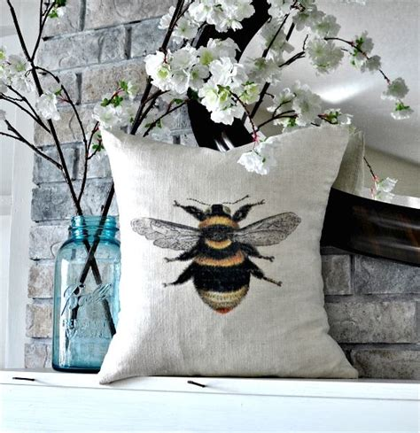 bumble bee home decor 514 best images about bees in home decor on pinterest