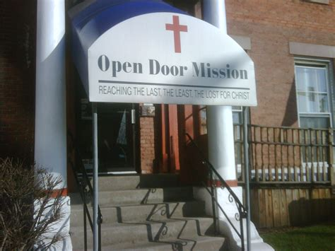 Open Door Mission Rochester Ny by Open Door Mission Prepping For Meal Wxxi