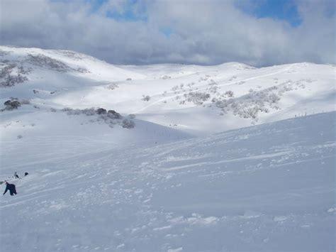 in australia christmas falls in which seasen australia snow work a winter season