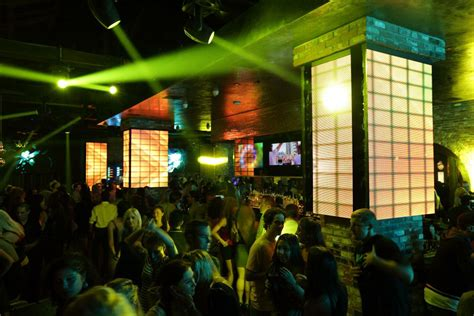 top bars in downtown san diego 207 is one of san diego s flashiest dance and live music clubs
