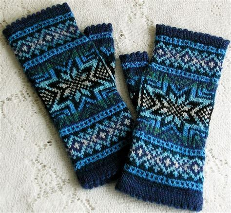 snowflake pattern knitted mittens 101 best knit crochet gloves mittens images on pinterest
