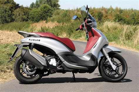 Sport Touring Motorrad by Piaggio Beverly 350 Sport Touring Test Motorrad Tests
