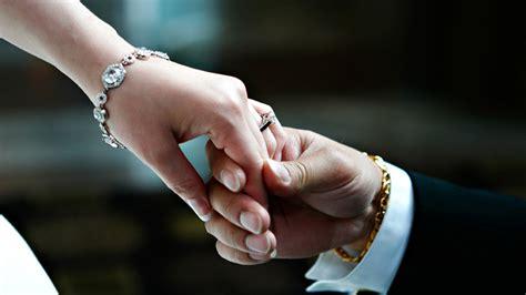 cama holdings wedding hands 075343 wallpapers13