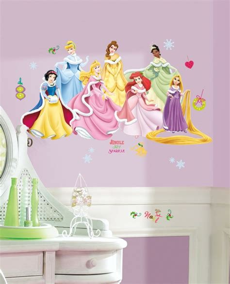 stickers chambre fille princesse id 233 es d 233 co chambre fille pour les petites princesses
