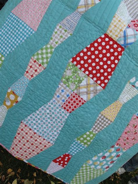 Bee Quilt Pattern Free by Bee In Bonnet The Bee In Bonnet Thimble Ruler And