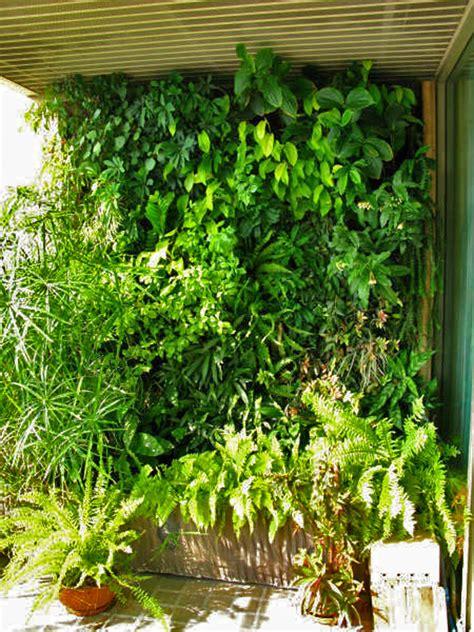 apartment terrace vertical garden blanc