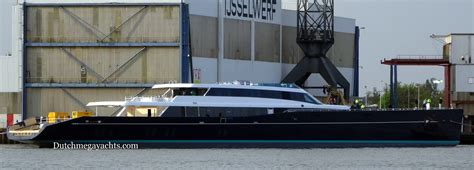 yacht view aquijo yacht side view photo by dutchmegayachts