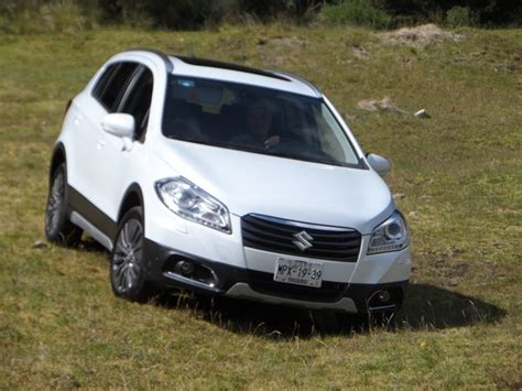 s cross al volante suzuki s cross 4x4 2014 versatilidad y seguridad