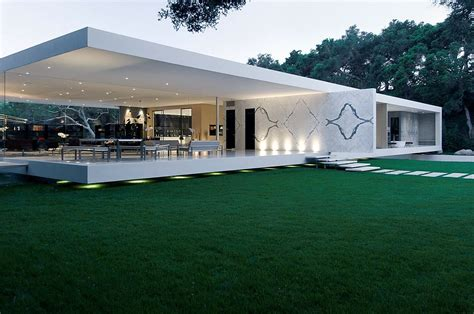 glass pavilion house by steve hermann faustian urge