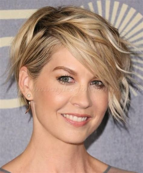 does jenna elfmans hair look better long or short short wavy hairstyles jenna elfman wavy bob hairstyle