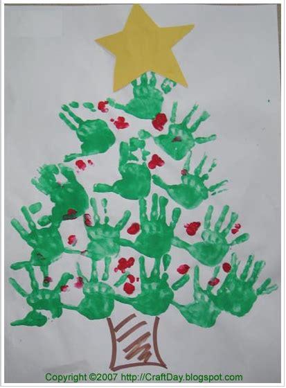 christmas tree crafts for preschool using handprint that handprint tree
