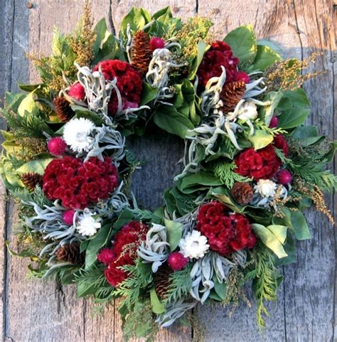 Dining Room Table Decorating Ideas For Christmas by 33 Ideas To Make Christmas Wreath For Yourself Interior
