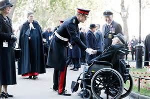 Queen Elizabeth Dog The Queen And Prince Harry Lead Tributes To Our War Dead