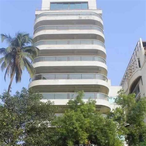 celebrity house address in mumbai actor aamir khan lives at quot freeda apartments quot near carter